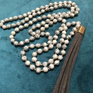 Marble long necklace with tassel